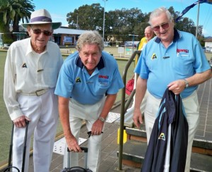 Packing up after a hard day at the 'office', L to R, Allan Pollack, Zone 15 Patron, Ian McKnight, President RNSWBA and Doug Rose, State Councillor BCC. at the 2012 Volunteers Day held at The Greens